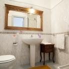 4 - Turquoise - Bathroom